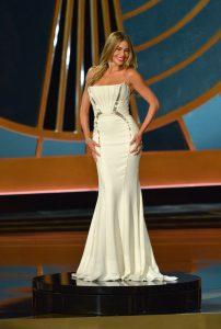 Sofia-Vergara-Rotating-Platform-Emmy-Awards-2014